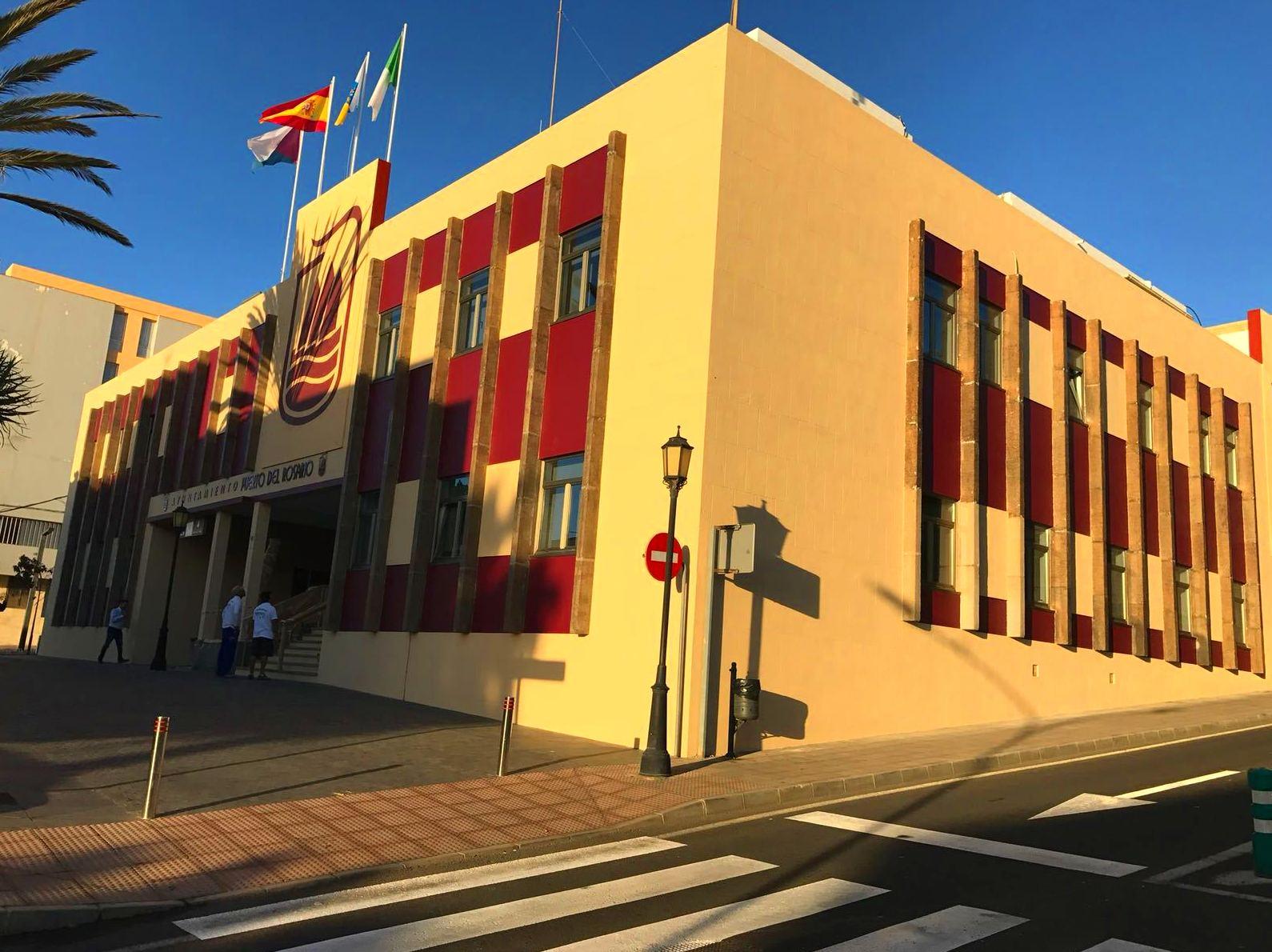 Rehabilitación y pintado de fachada. (Ayuntamiento de Puerto del Rosario, Fuerteventura)
