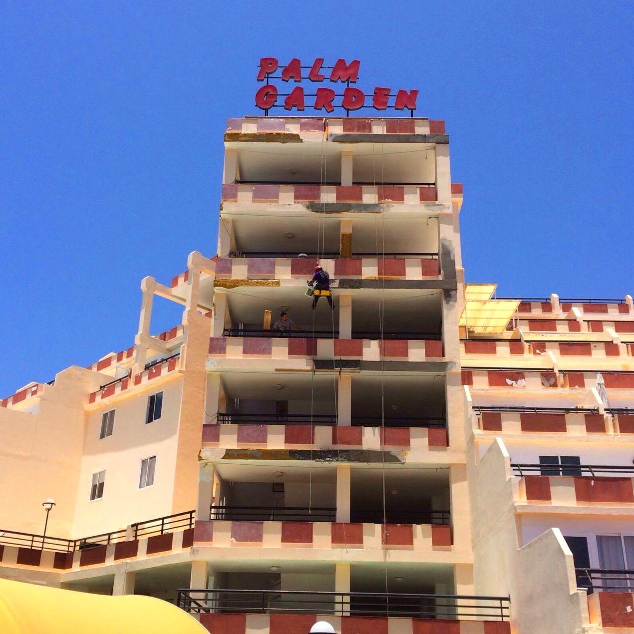 Rehabilitación y pintado de fachada (Hotel Palm Garden, Fuerteventura)