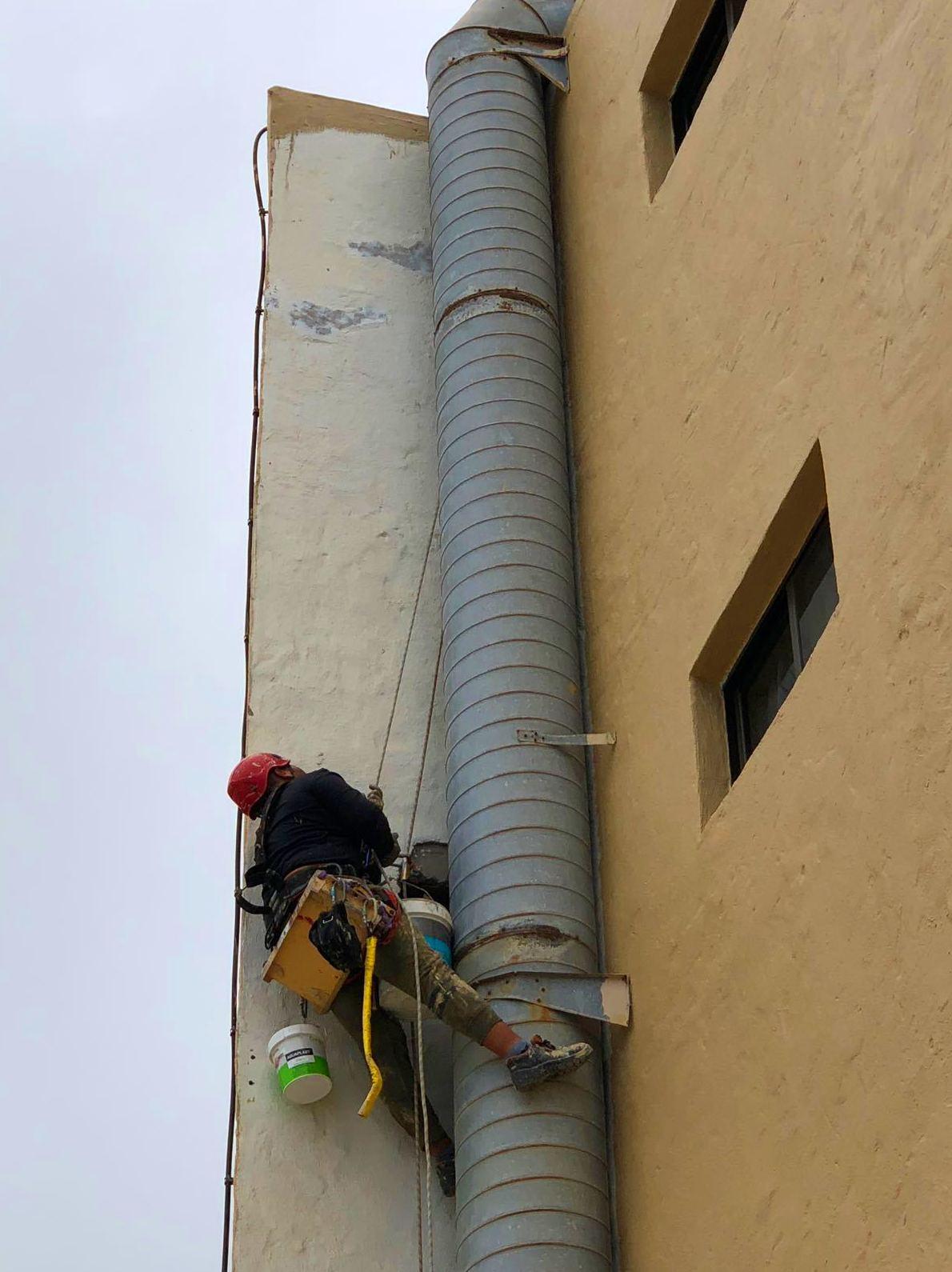 Rehabilitación y pintado de fachada.(Hotel El Dorado, Gran Canaria)