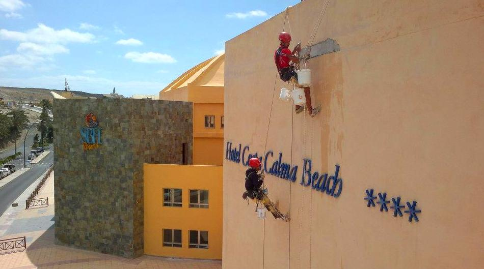Rehabilitación y pintado de fachada (Hotel Costa Calma Beach, Fuerteventura)
