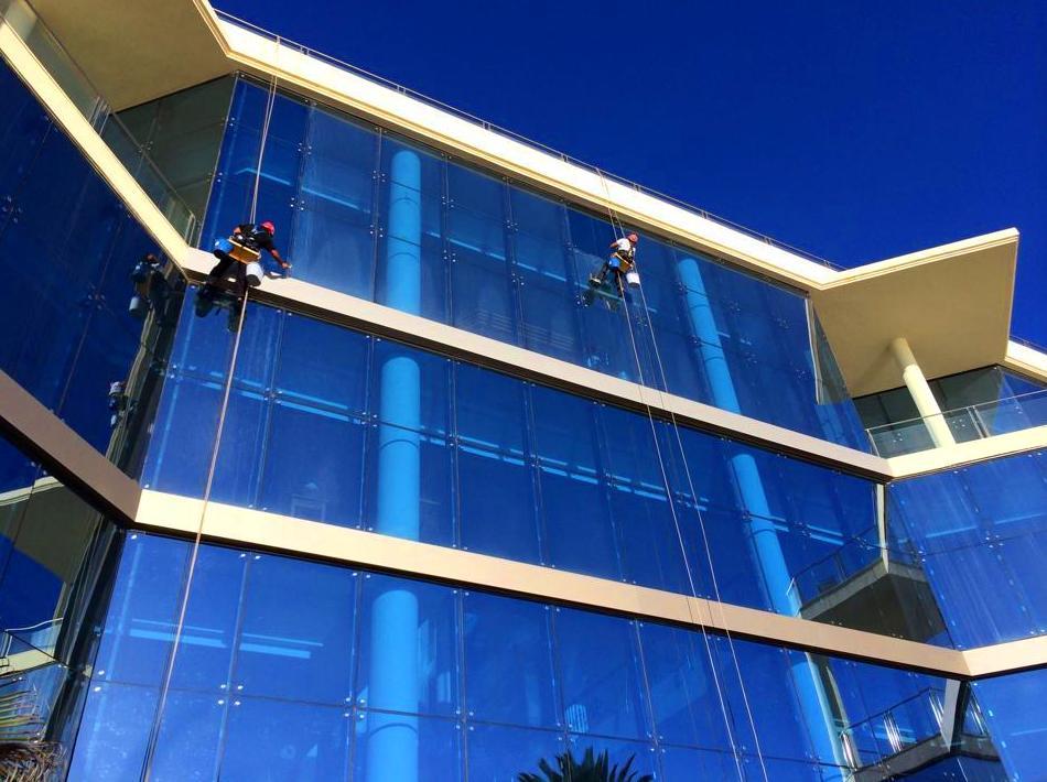 Limpieza de cristales.: Servicios que ofrecemos de Vertimax