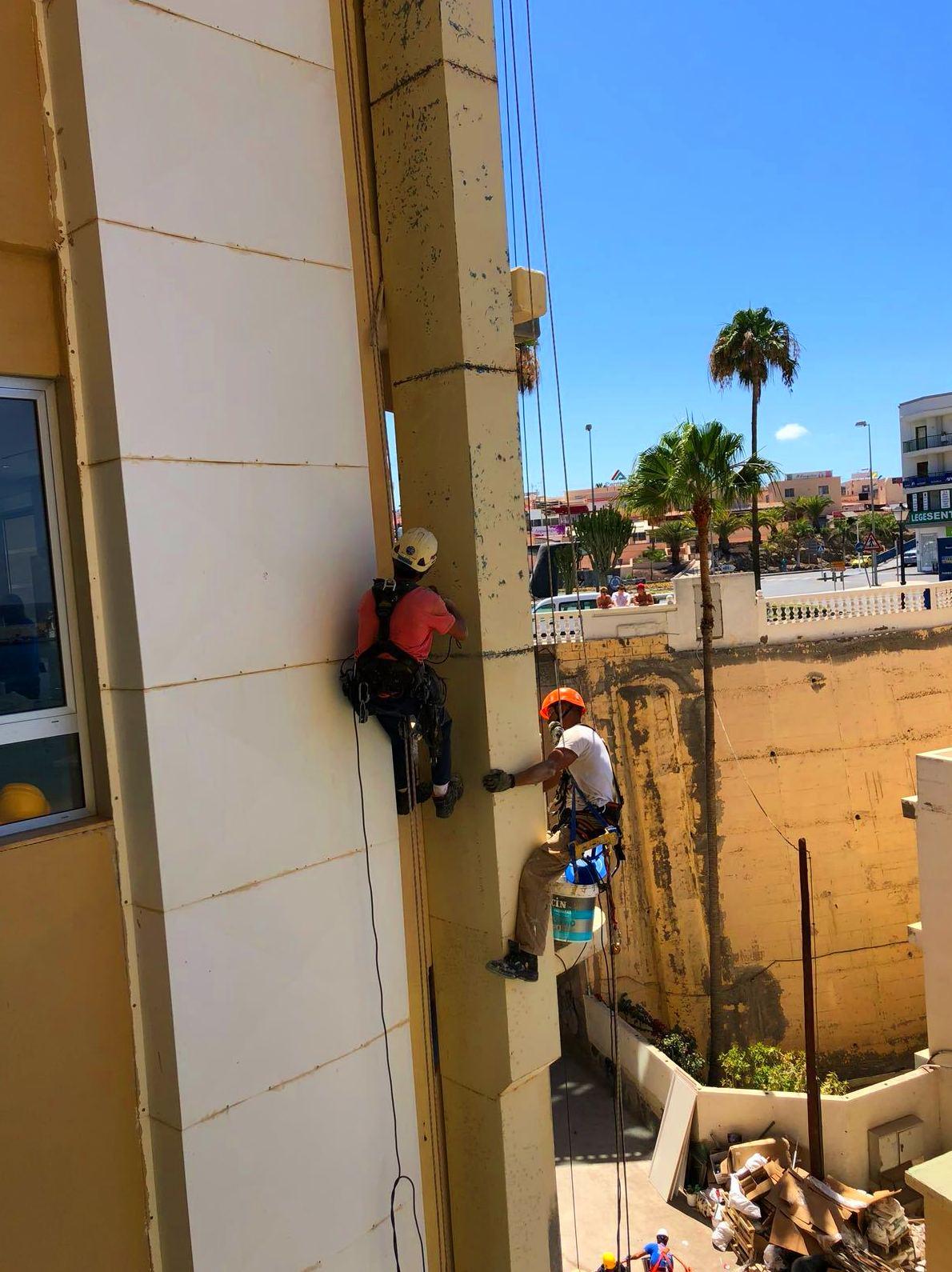 Foto 43 de Trabajos verticales en Tuineje | Vertimax