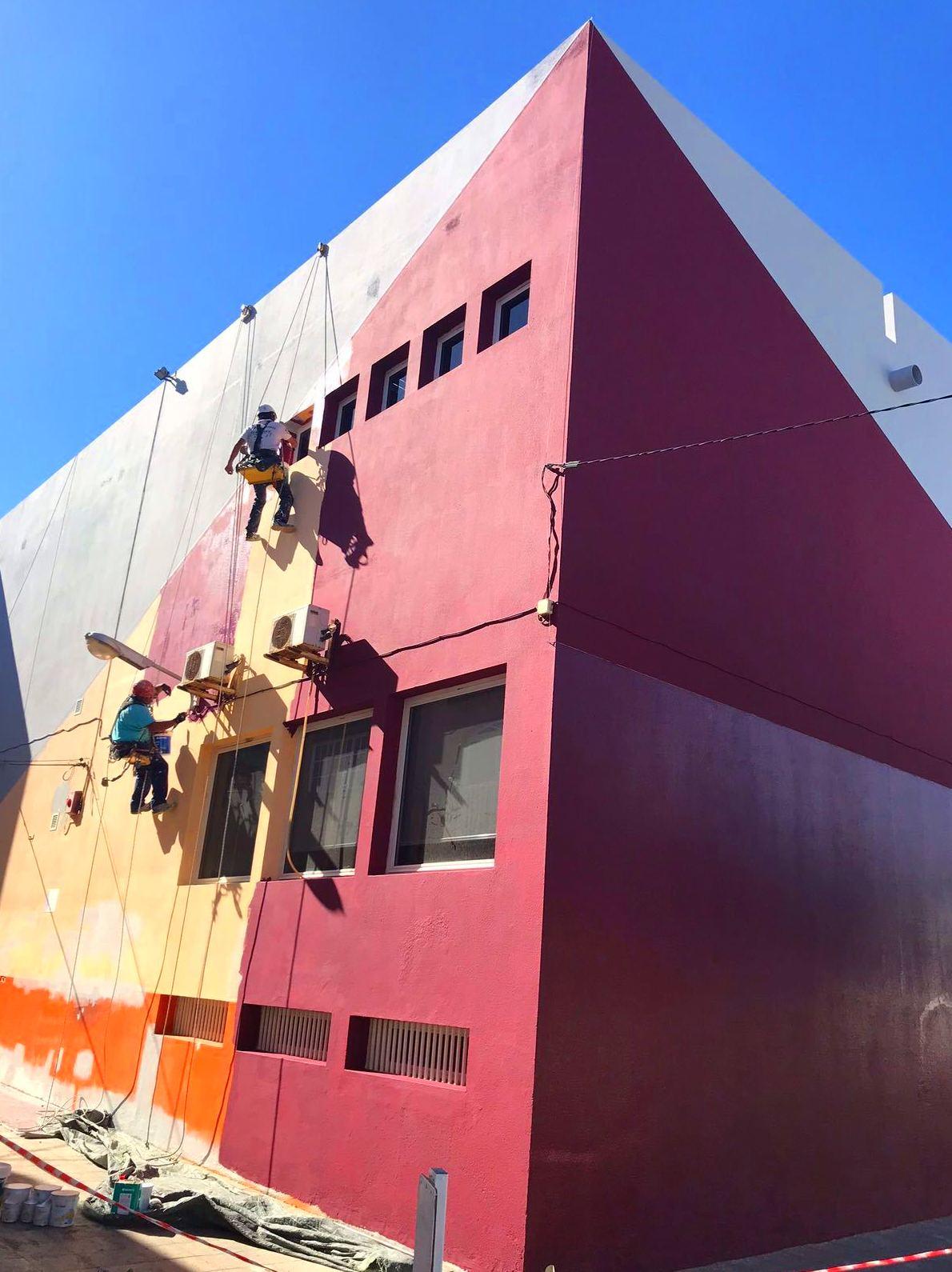 Rehabilitación y pintado de fachada.(Biblioteca de Puerto del Rosario, Fuerteventura)