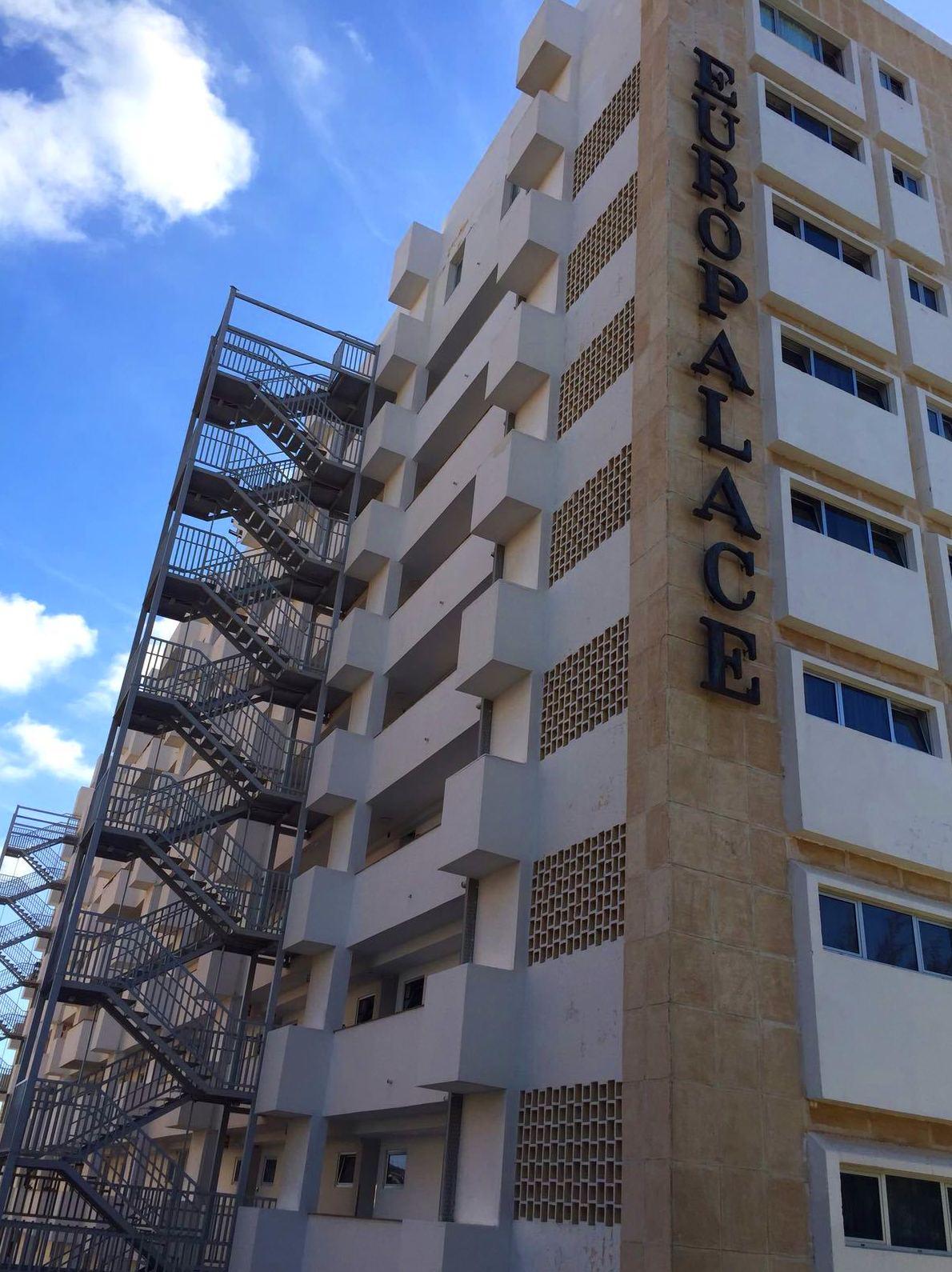 Rehabilitación y pintado de fachada. (Hotel Europalace, Gran Canaria)