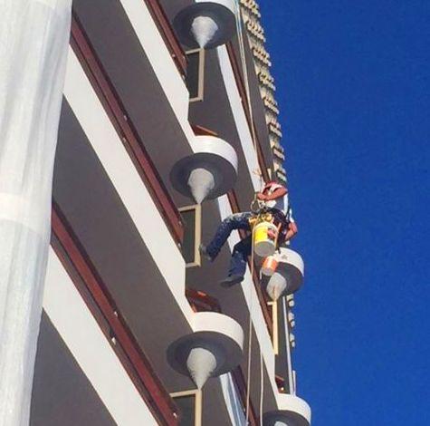 Rehabilitación y pintado de fachada. (Hotel Bulls Escorial, Gran Canaria)
