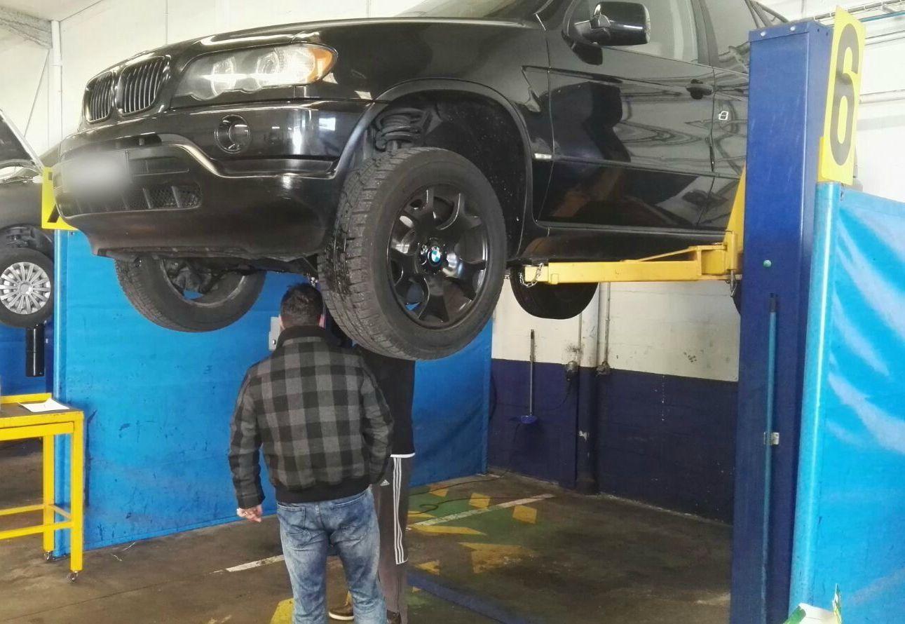 Boxes para reparación de vehículos en Zaragoza