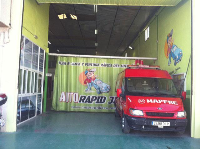 Foto 25 de Talleres de chapa y pintura en Jaén | Auto Rapid