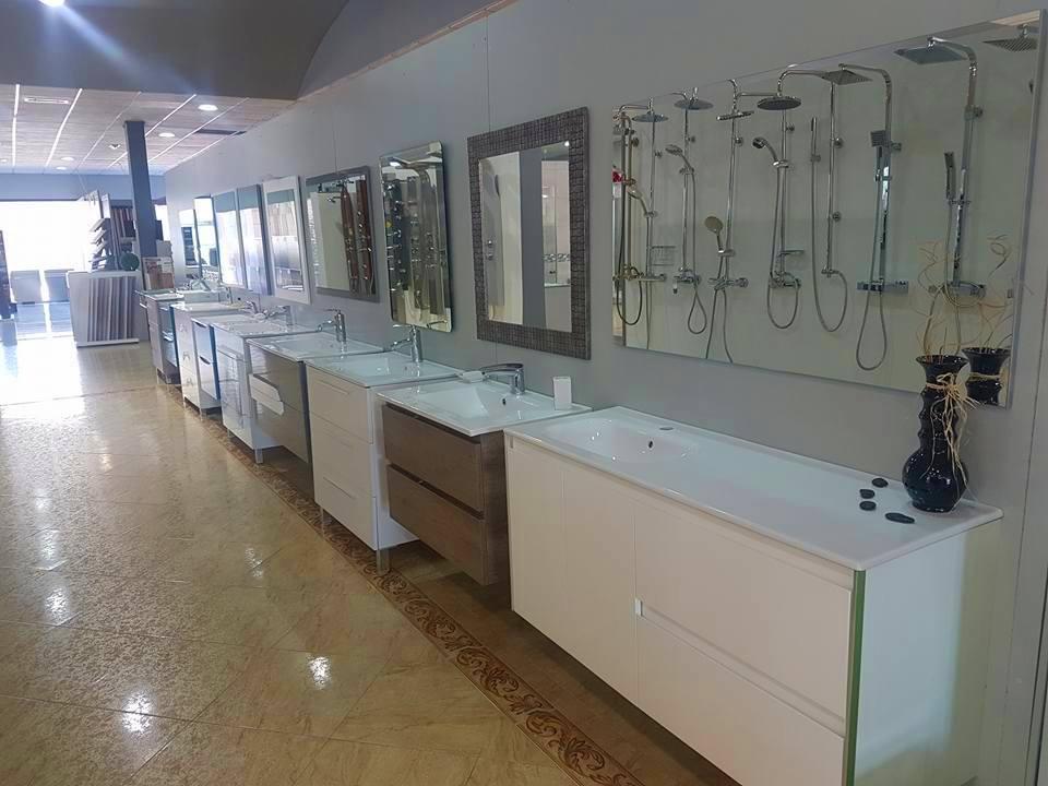 Foto 10 de Muebles de baño y cocina en Maracena | Pavimentos Loymar ...
