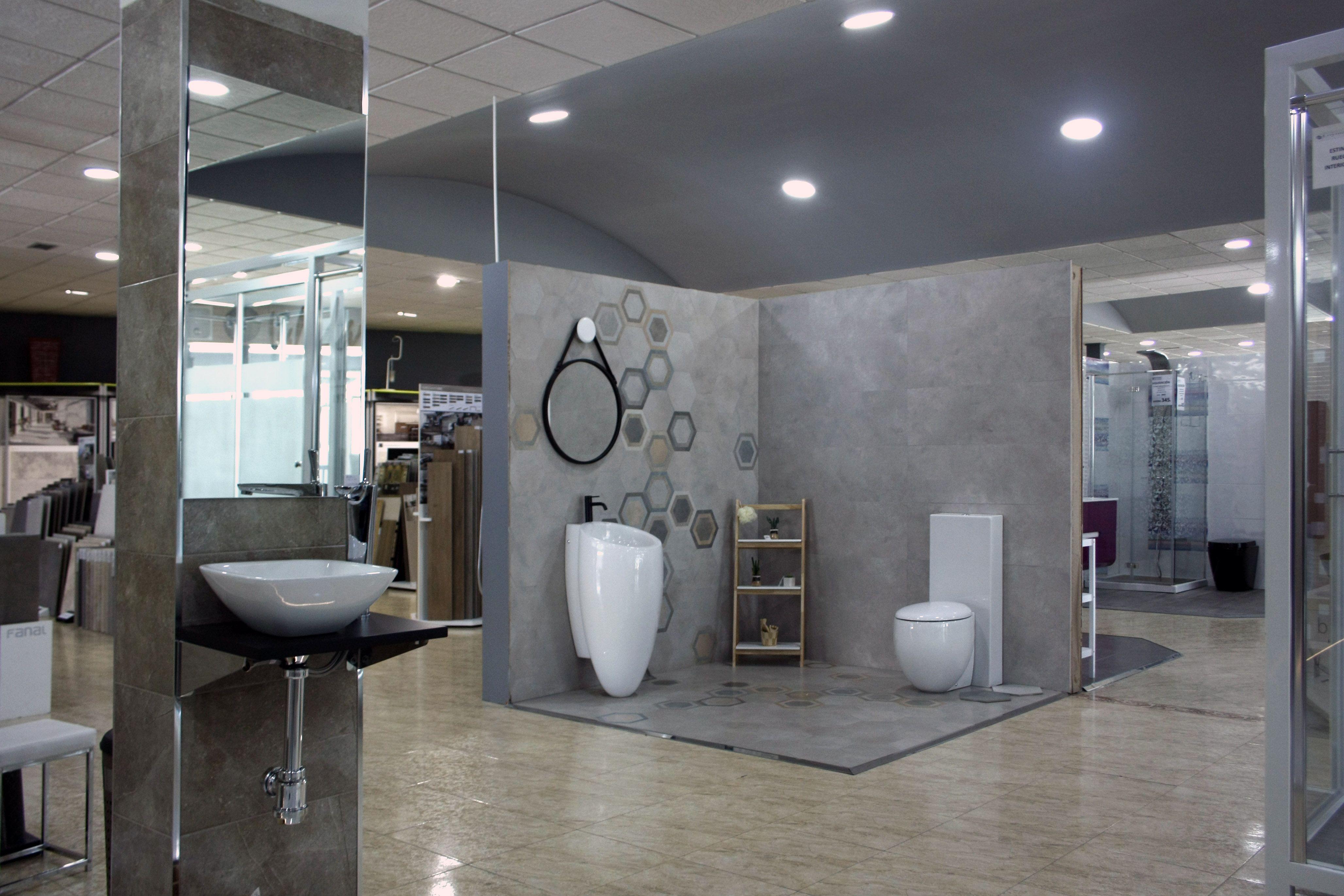 Foto 3 de Muebles de baño y cocina en Maracena | Pavimentos Loymar, S.L.