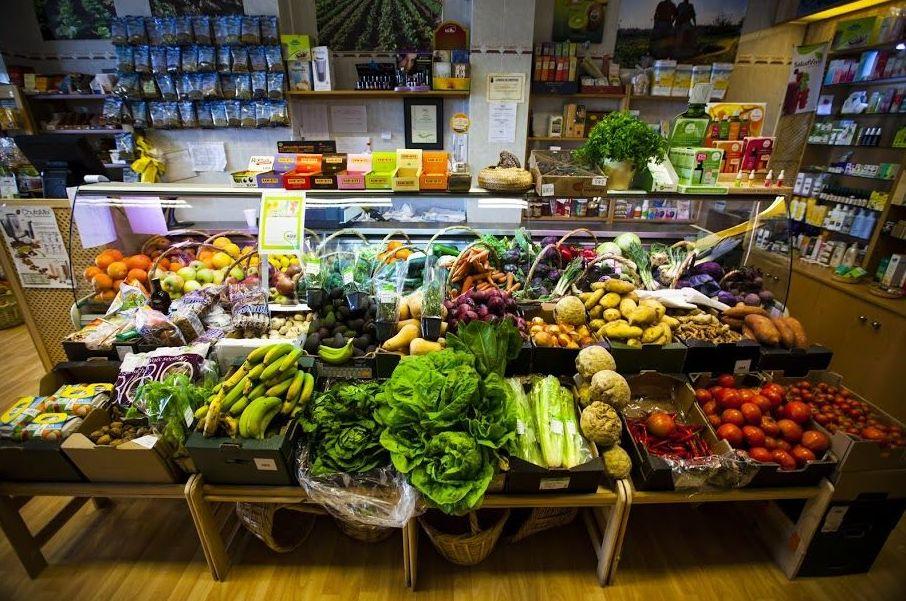 gran variedad de fruta y verdura de temporada