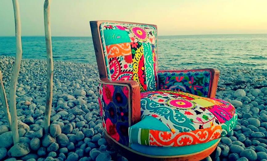 """Silla creada por """"Alma"""" especialmente para la tienda Flower Power de """"Pacha"""" en Ibiza"""