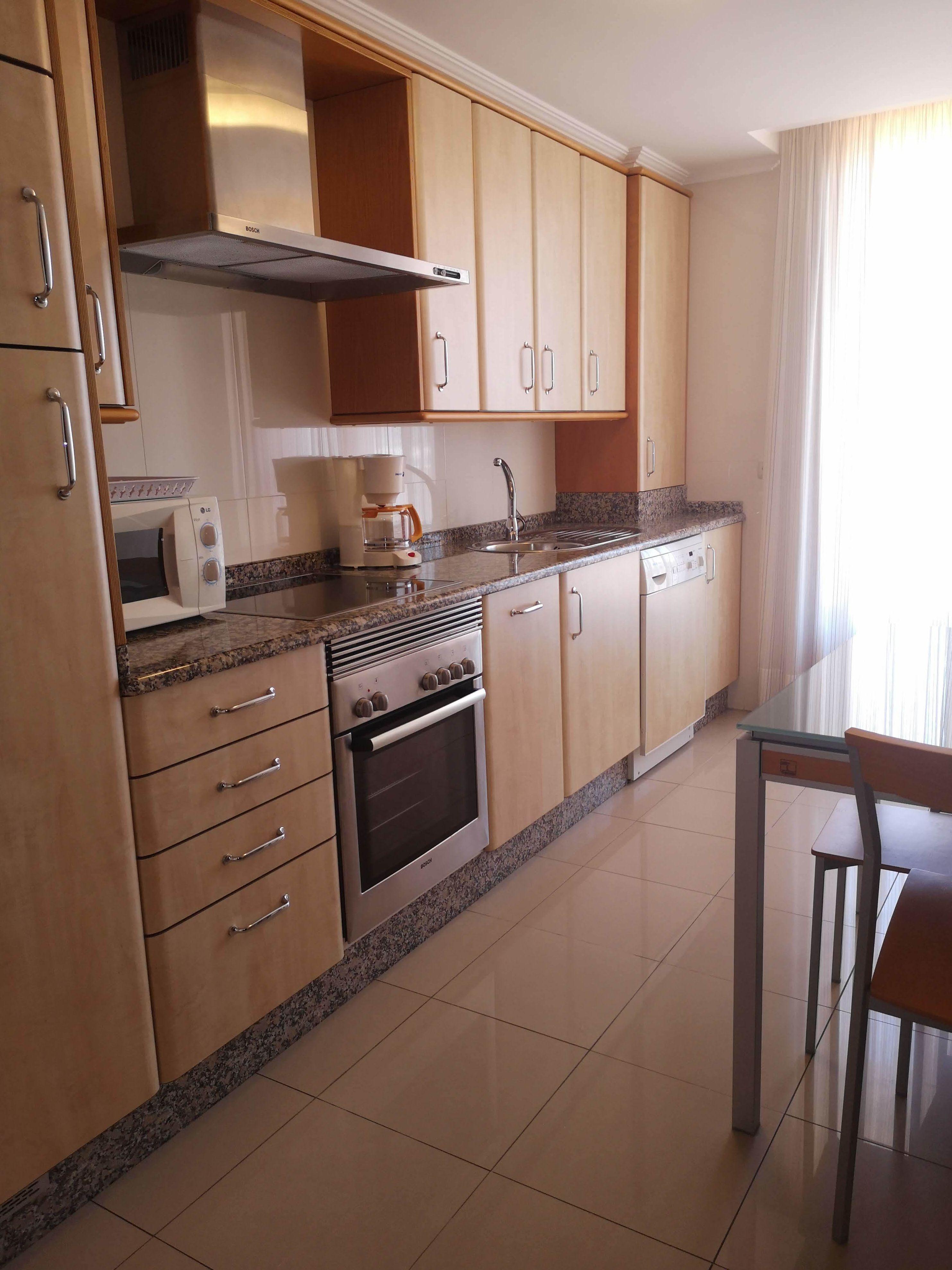 Equipamiento Cocina Apartamentos MIrador RIa de Bayona