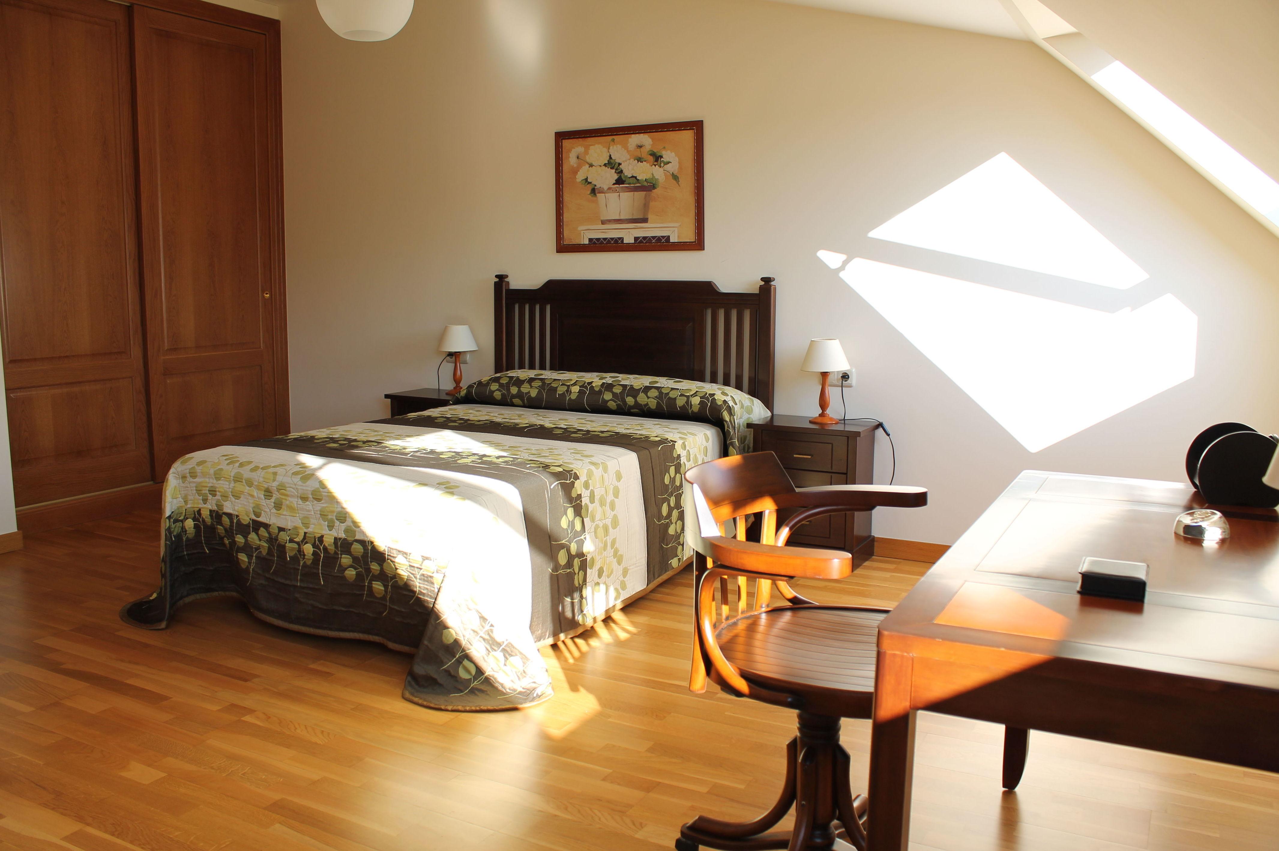 Dormitorio con baño en suitte