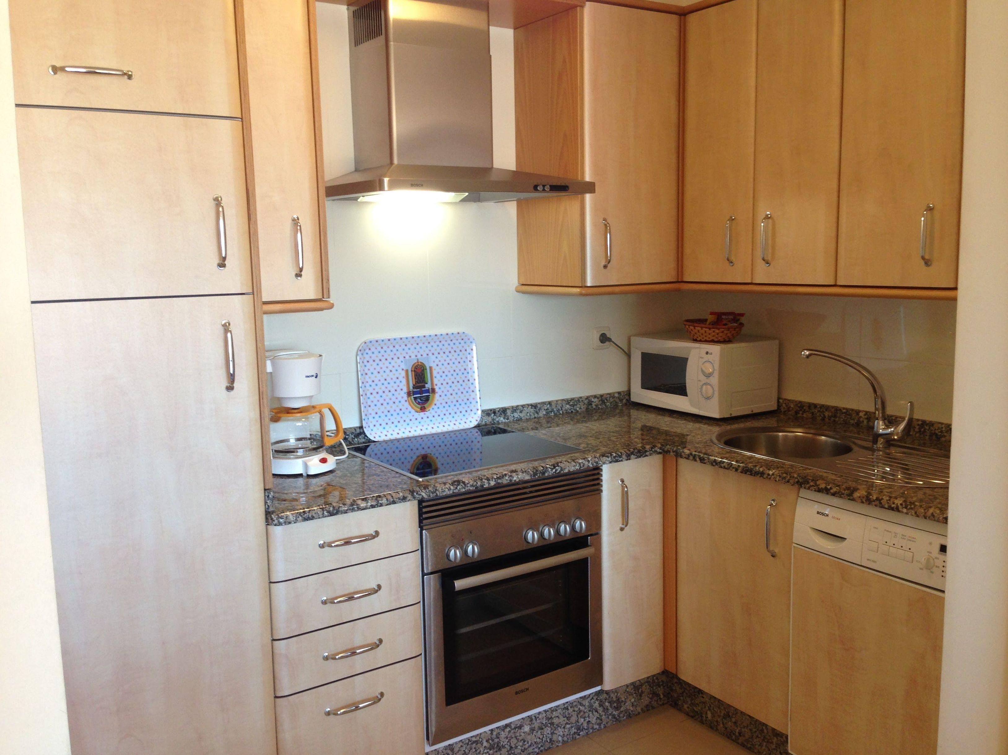 Equipamiento Cocina Apartamento Mirador Ria de Bayona