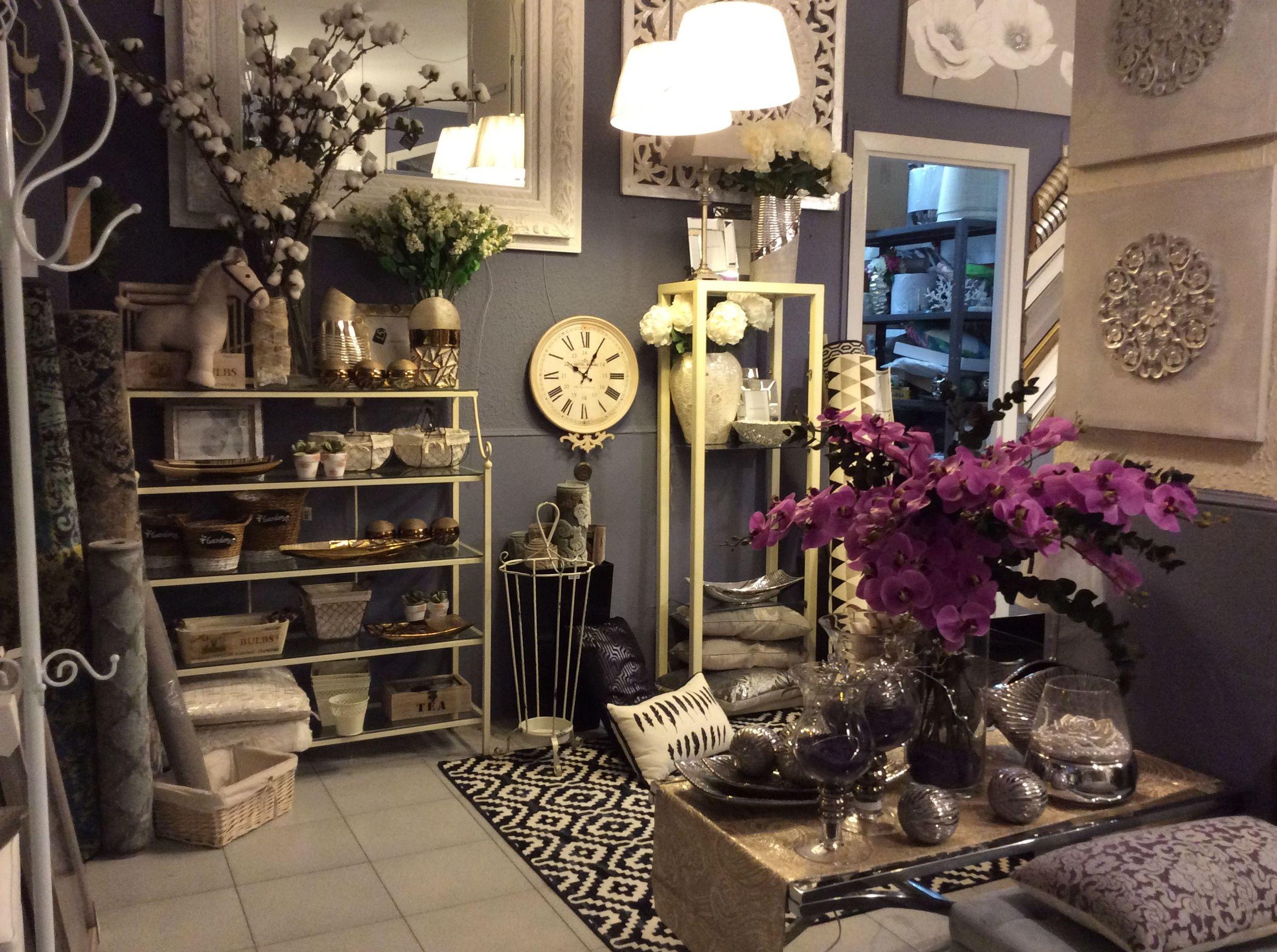 relojes, paragüeros, bandejas... todo para la decoración del hogar