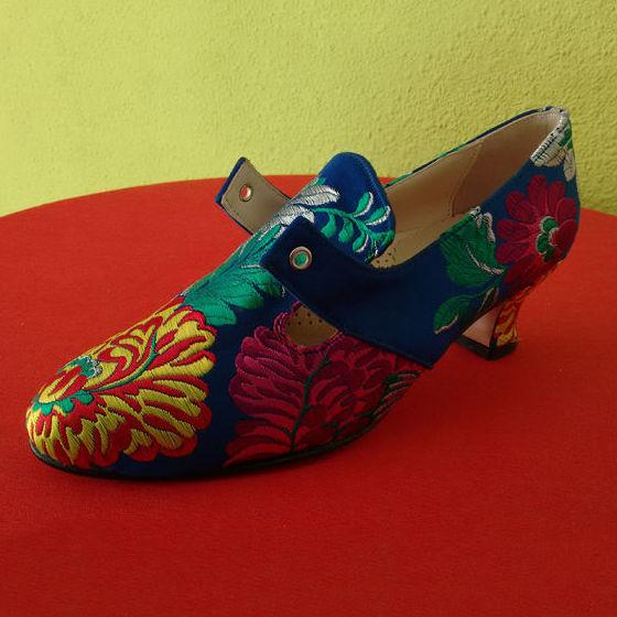 Zapatos forrados de fallera: Catálogo de Roig Vidal