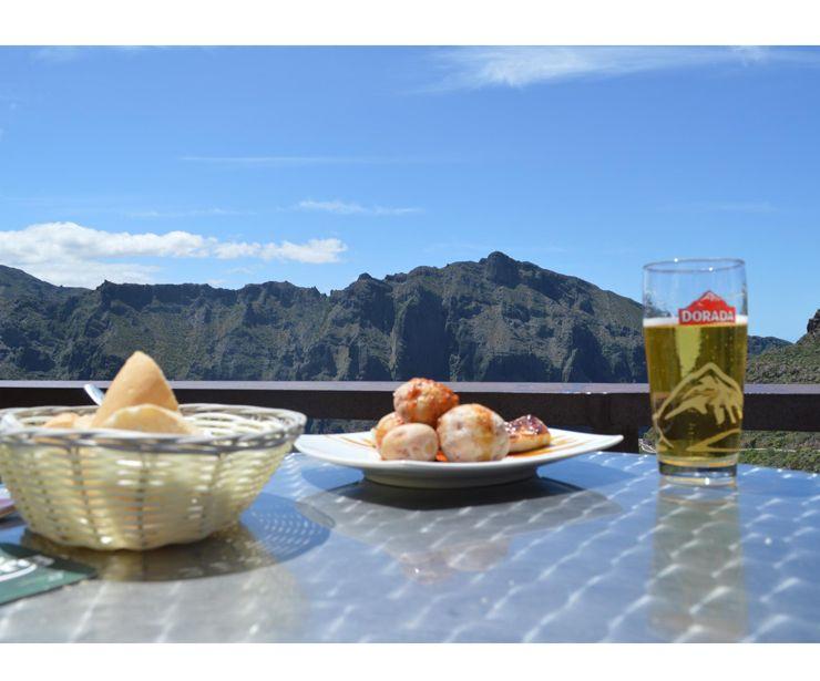 Excellent terrace at Mirador Cruz de Hilda (Tenerife)