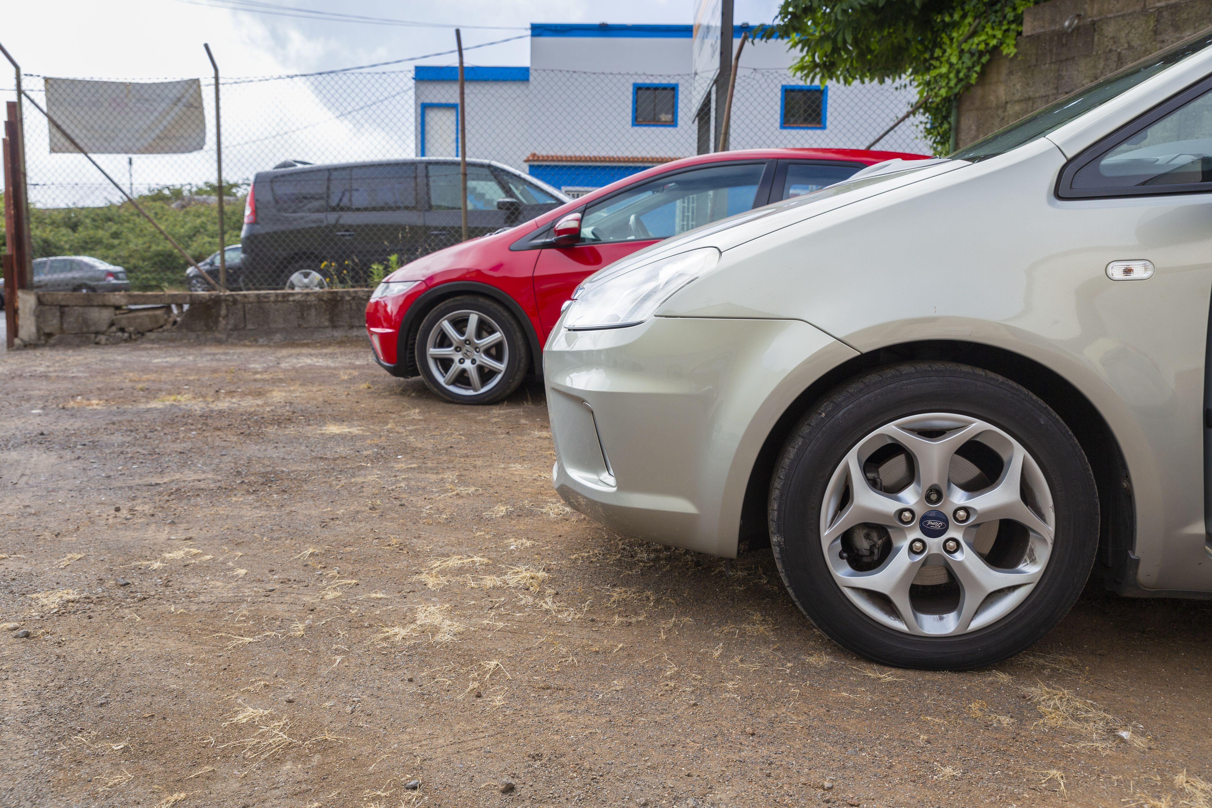 Autos patio CAR PLUS CANARIAS