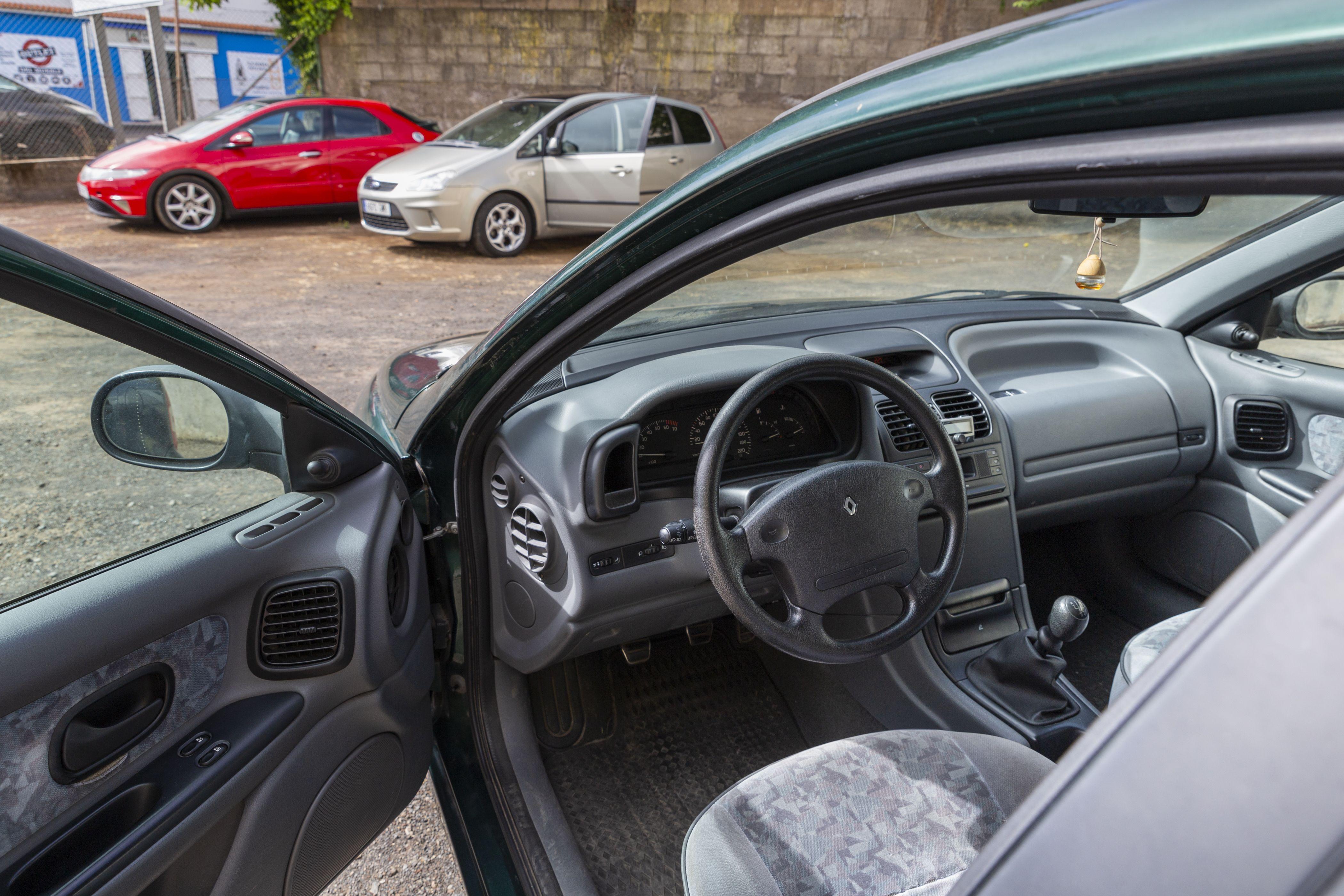 Parte delantera vehículo CAR PLUS CANARIAS