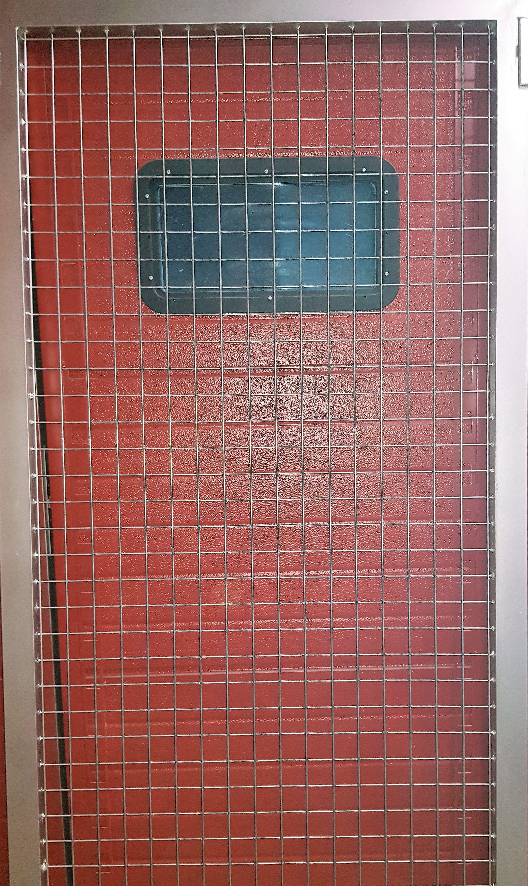 Reja de protección en malla 50/50 galvanizada y electrosoldada.