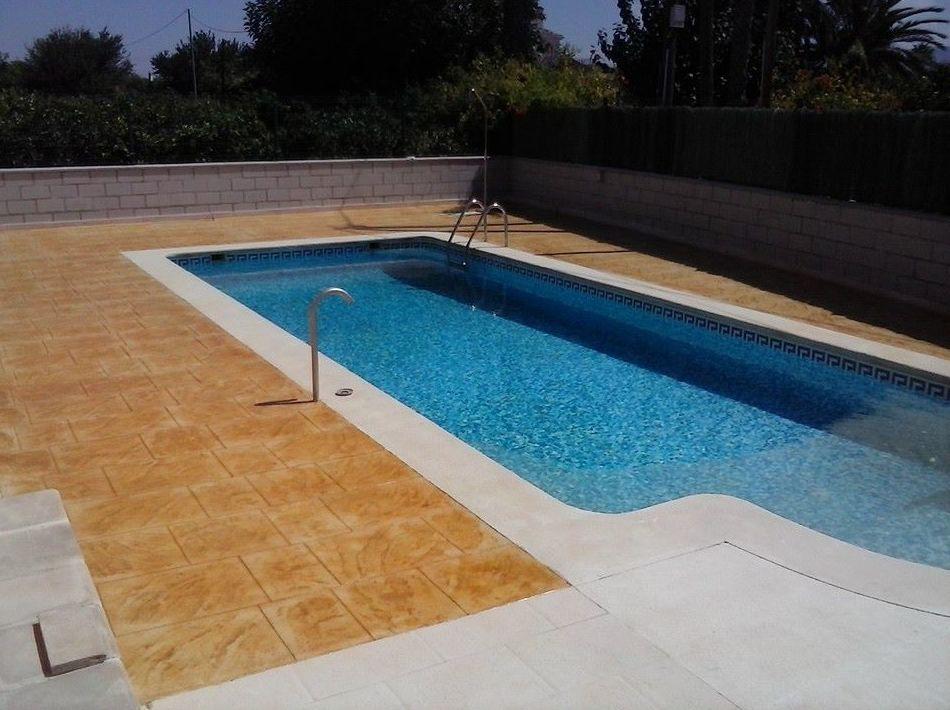 Pavimentos impresos para piscinas en Murcia