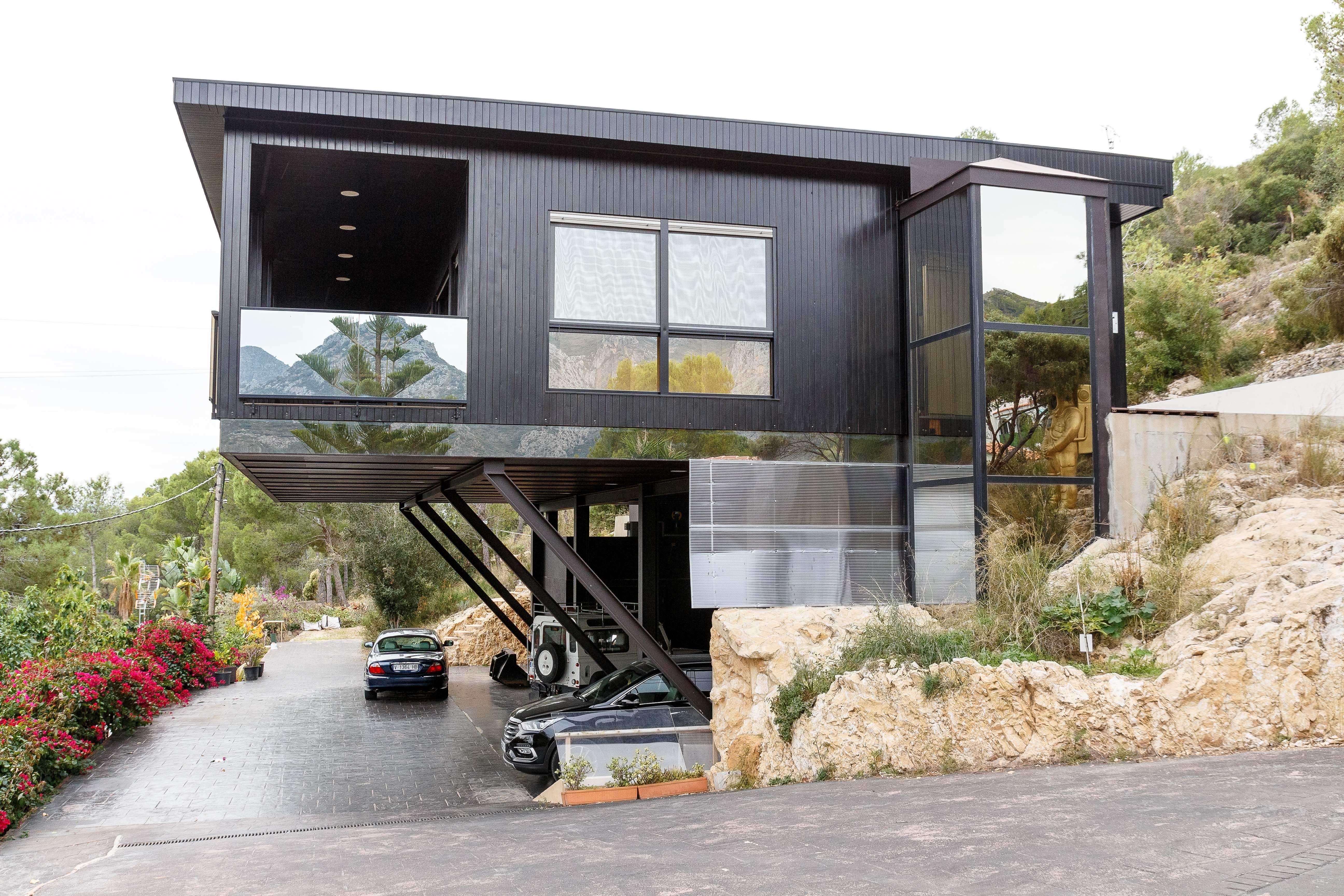 Casa de madera con diseño moderno