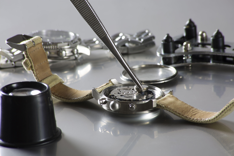 Reparación y mantenimiento de relojes de pulsera: Productos y servicios de Relojería Torner