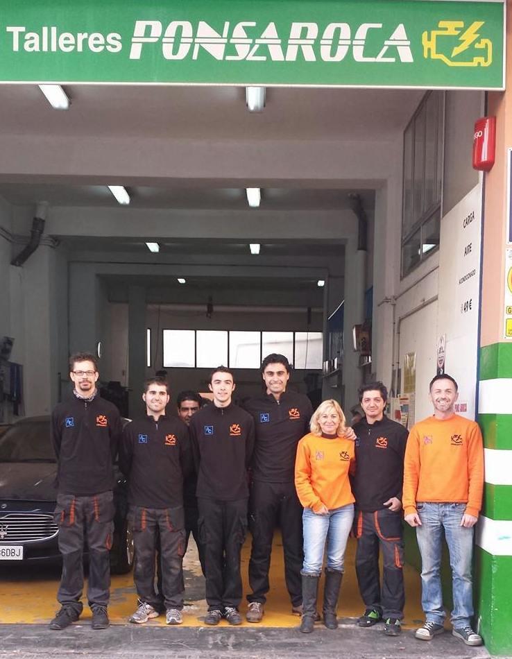 Equipo del taller mecánico Palma
