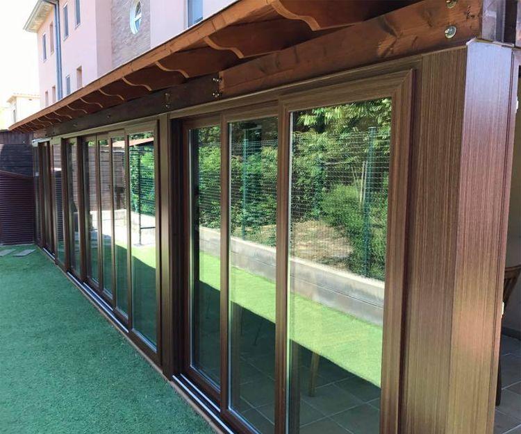 Fabricación e instalación de cerramientos de PVC y vidrio en Girona