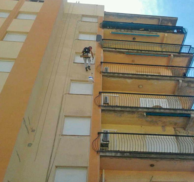 Pintura exterior de comunidades en Mataró
