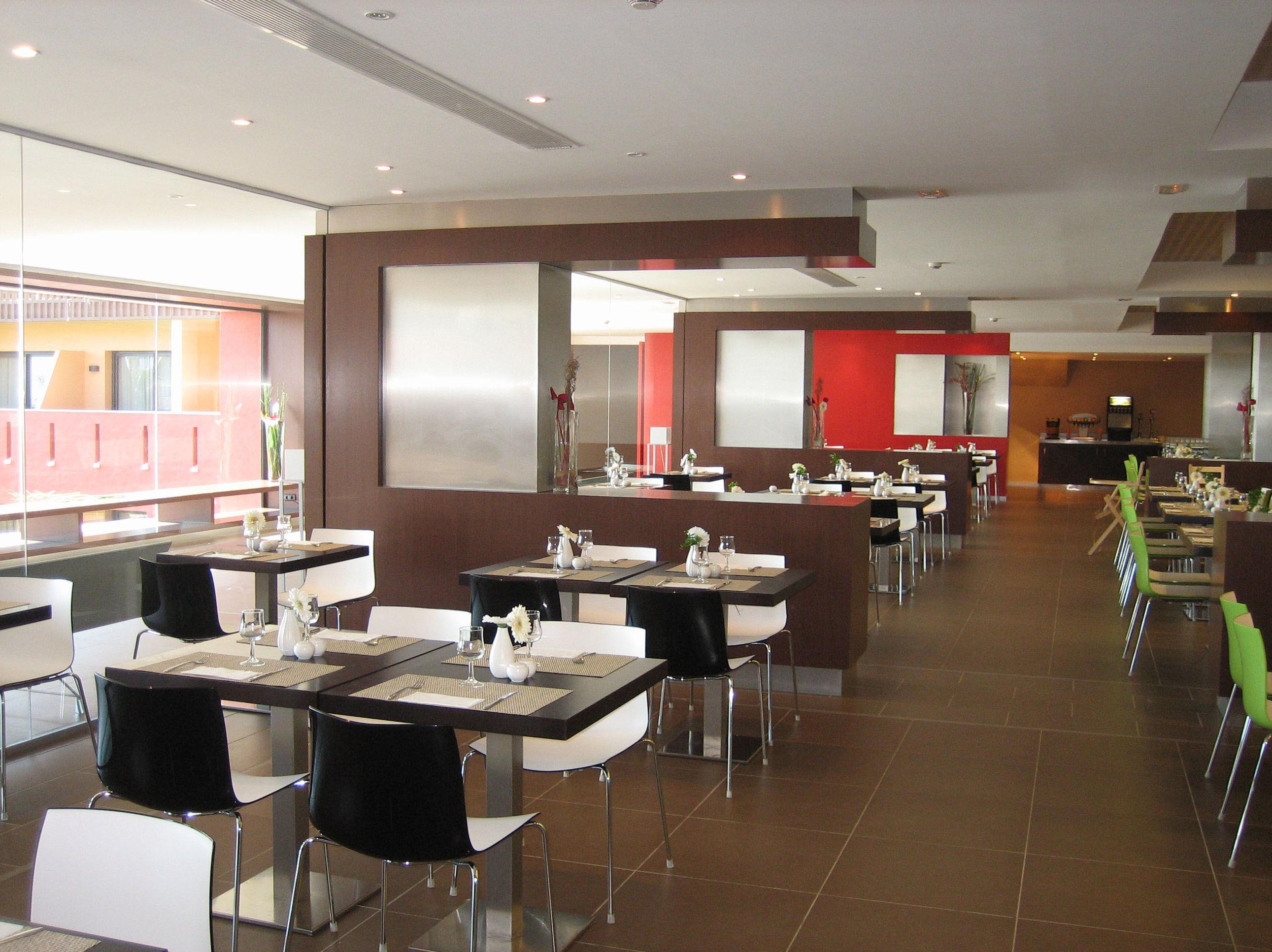 HOTEL CALAS DE CONIL ****: Proyectos de VILCHES ARQUITECTOS