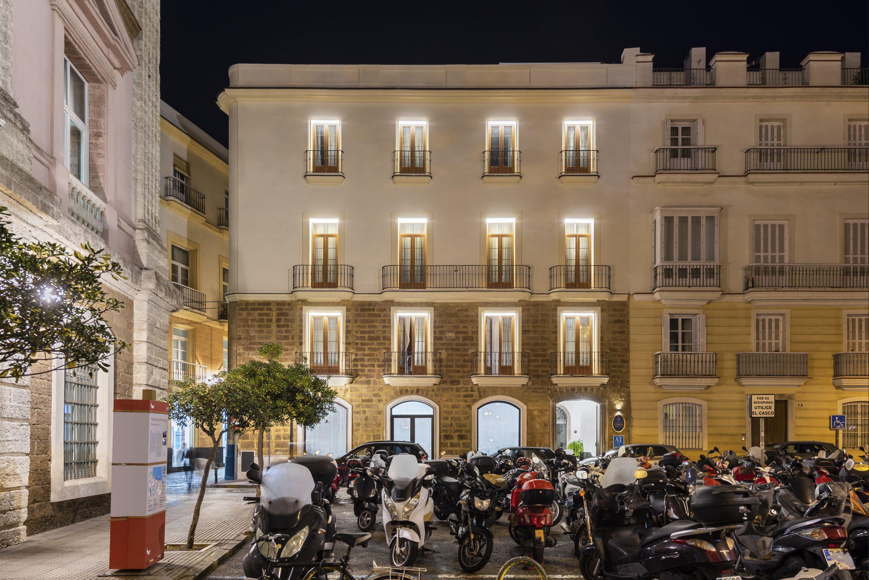 Apartamentos Plaza de España : Proyectos de VILCHES ARQUITECTOS