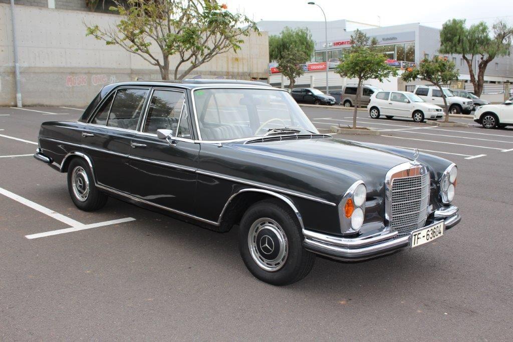 Alquiler de Mercedes 280 con conductor en Tenerife