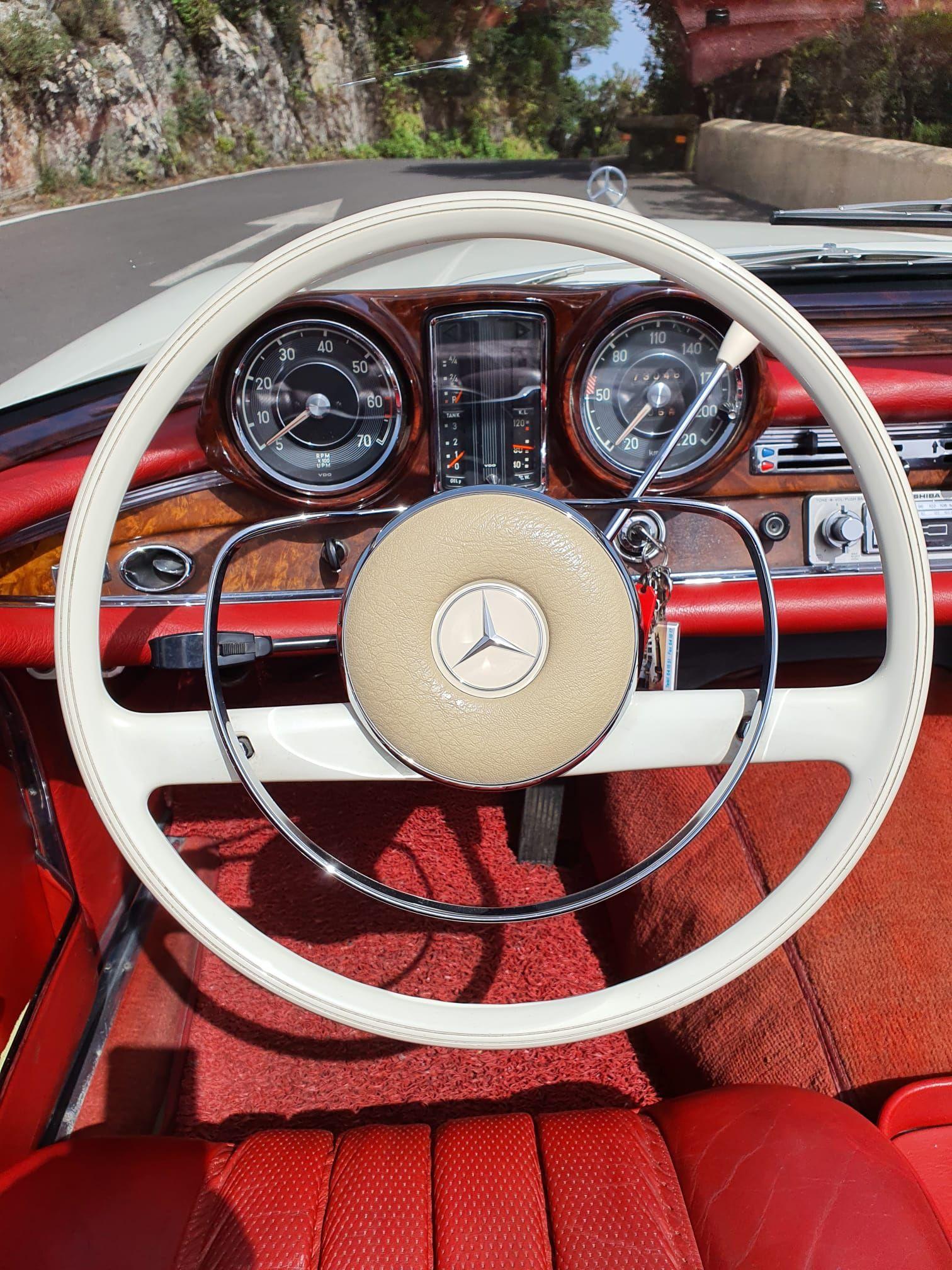 Foto 27 de Alquiler de vehículos con conductor en  | HM LUXURY TRANSPORT