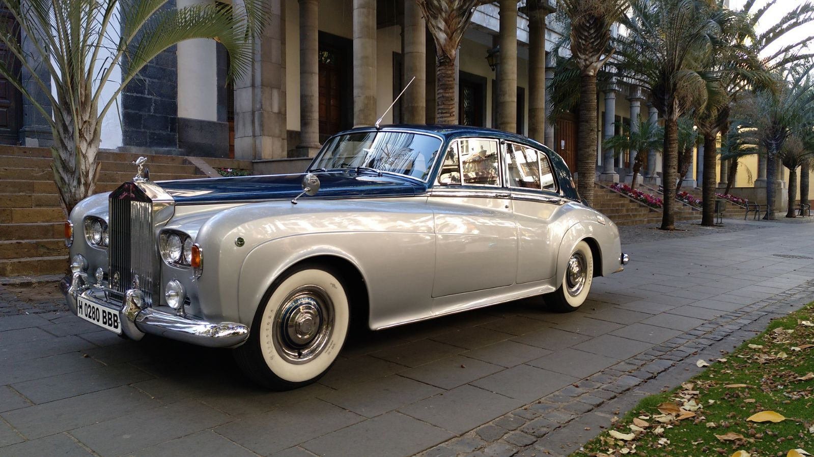 Alquiler de coches clásicos con conductor en Tenerife