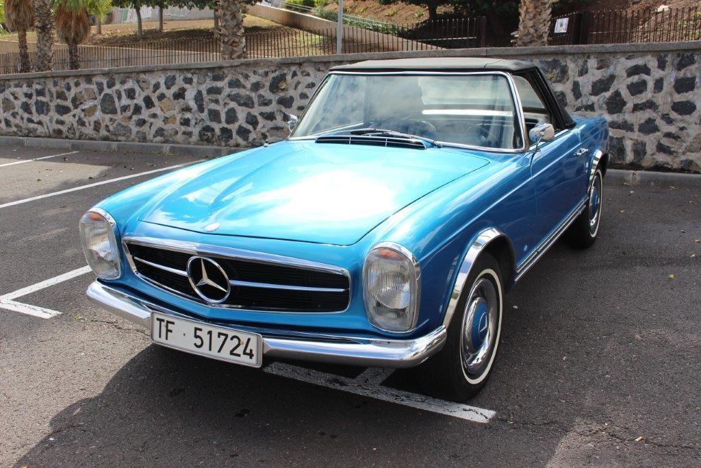 Alquiler de Mercedes Pagoda con conductor en Tenerife