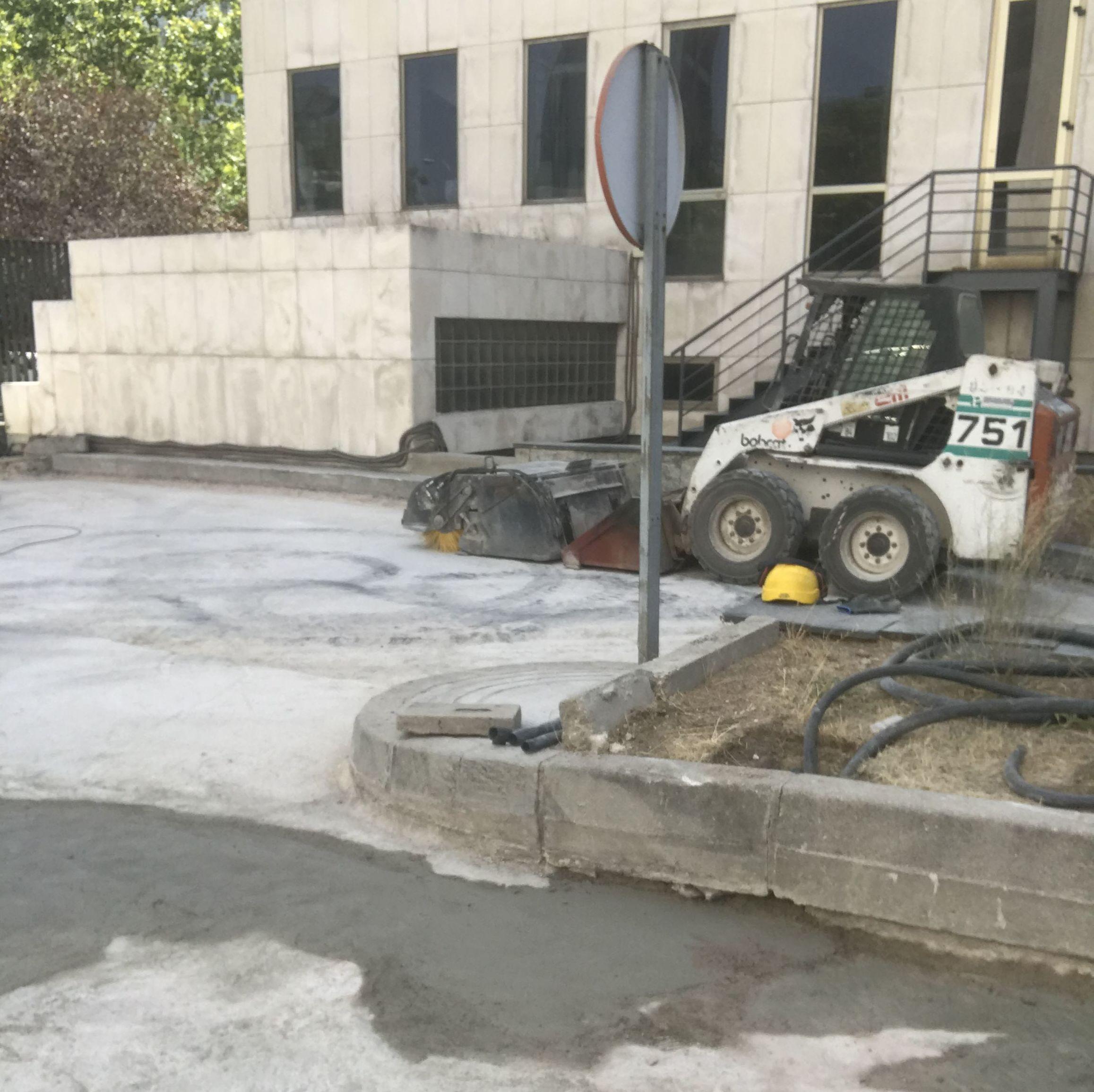 Saneados de pavimentos con grandes consumos de morteros de reparación R4 previos a la impermeabilización y pavimento final. (Madrid)