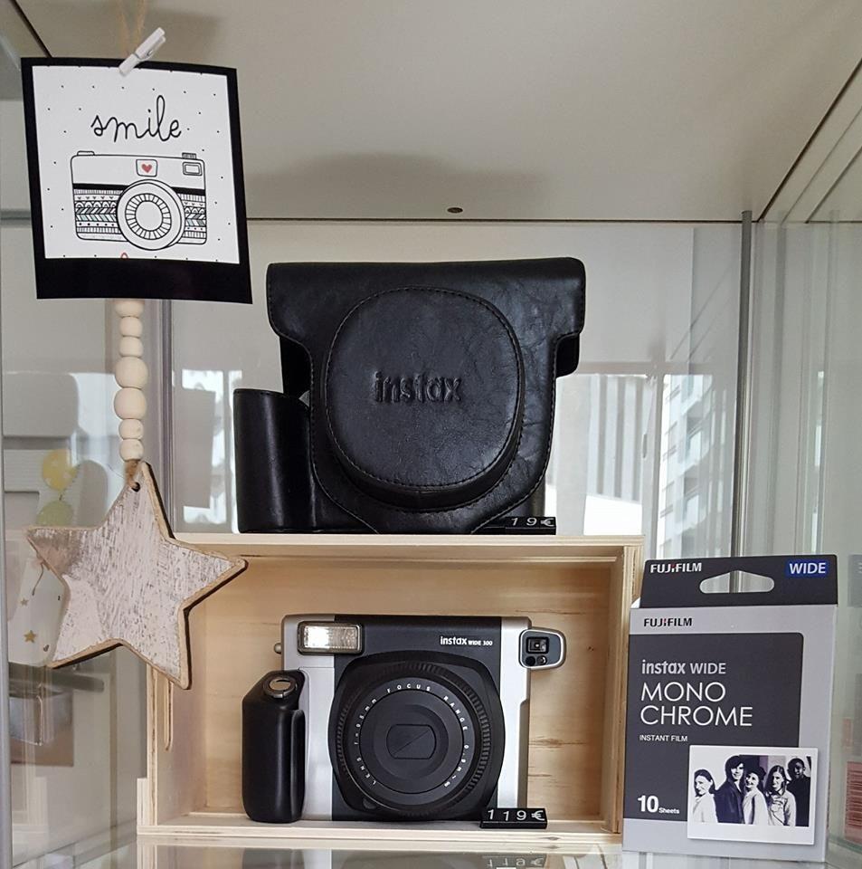 Tienda con cámaras fotográficas en Ibiza