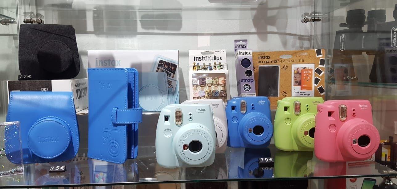 Tienda con cámaras instax en Ibiza