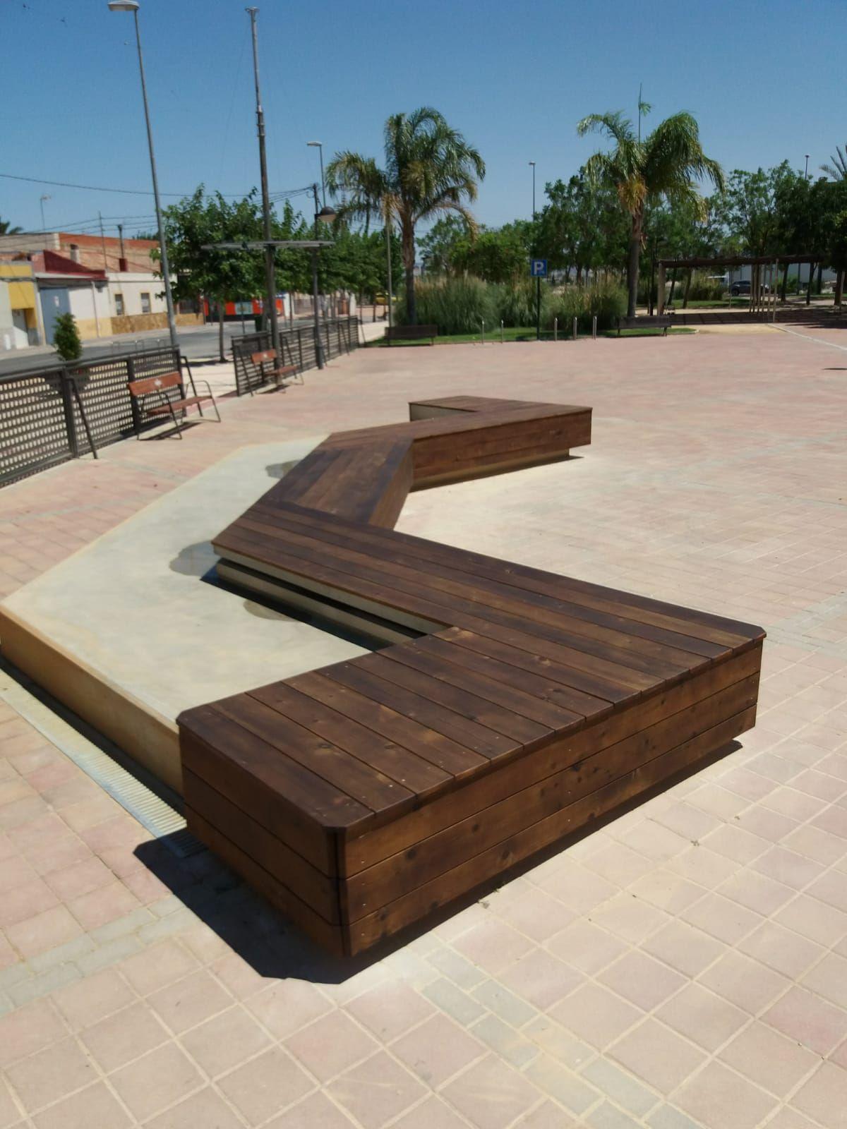 Bancos para jardines en Murcia