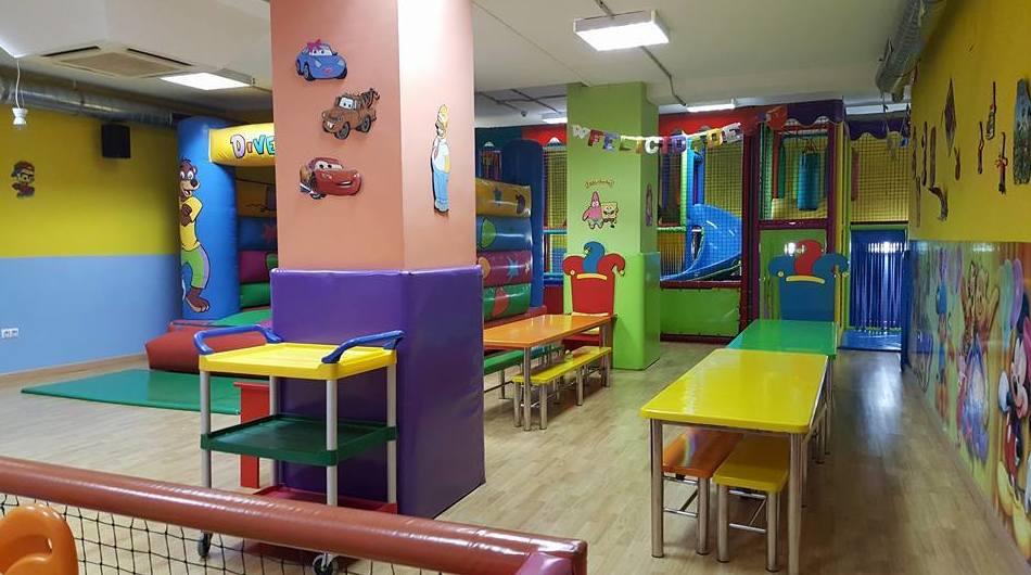 Foto 4 de Parques infantiles en Albacete | Diverguay Parque Infantil