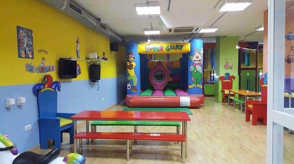 Foto 7 de Parques infantiles en Albacete | Diverguay Parque Infantil