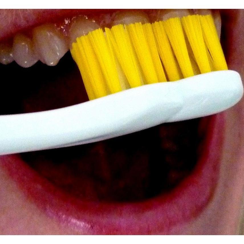 Limpieza dental: Tratamientos de Urgencias dentales Clínica  Ángel Samaniego