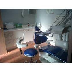 Prótesis sobre implantes: Tratamientos de Urgencias dentales Clínica  Ángel Samaniego