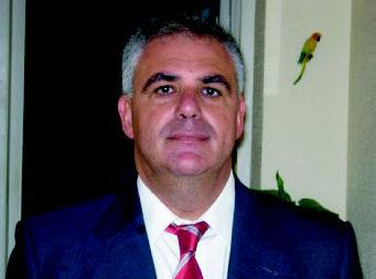 D. Manuel Arencibia Jimenez (veterinario director) Las Palmas de Gran Canaria http://www.clinica-veterinaria-losgalgos.es/es/