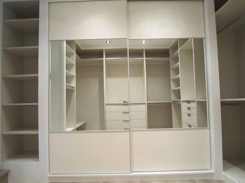 Foto 1 de Muebles de baño y cocina en Oliva | Decocin