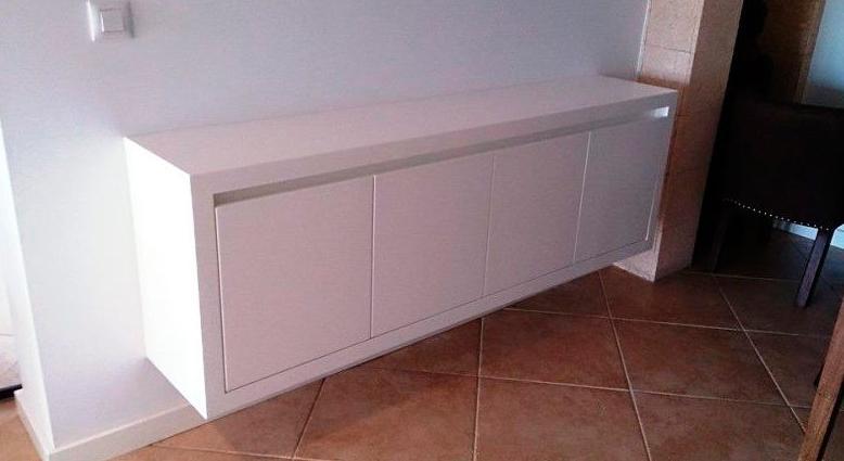 Mueble fabricado en DM hidrófugo lacado blanco