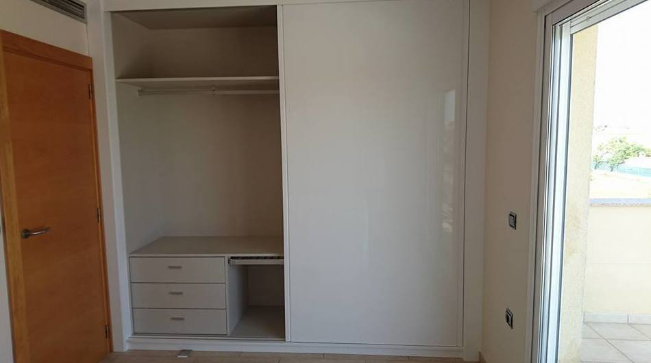 Foto 3 de Muebles de baño y cocina en Oliva | Decocin