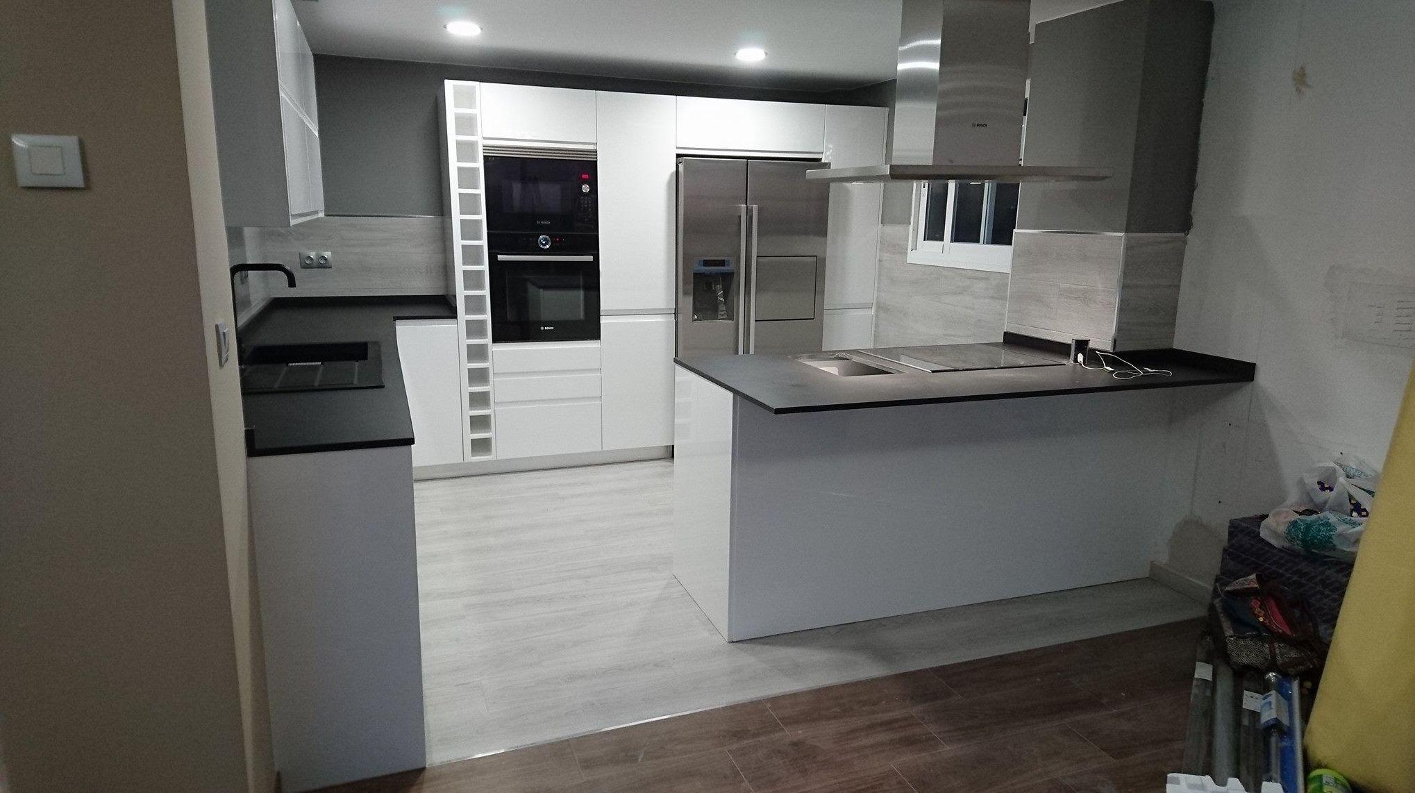 Foto 14 de Muebles de baño y cocina en Oliva | Decocin