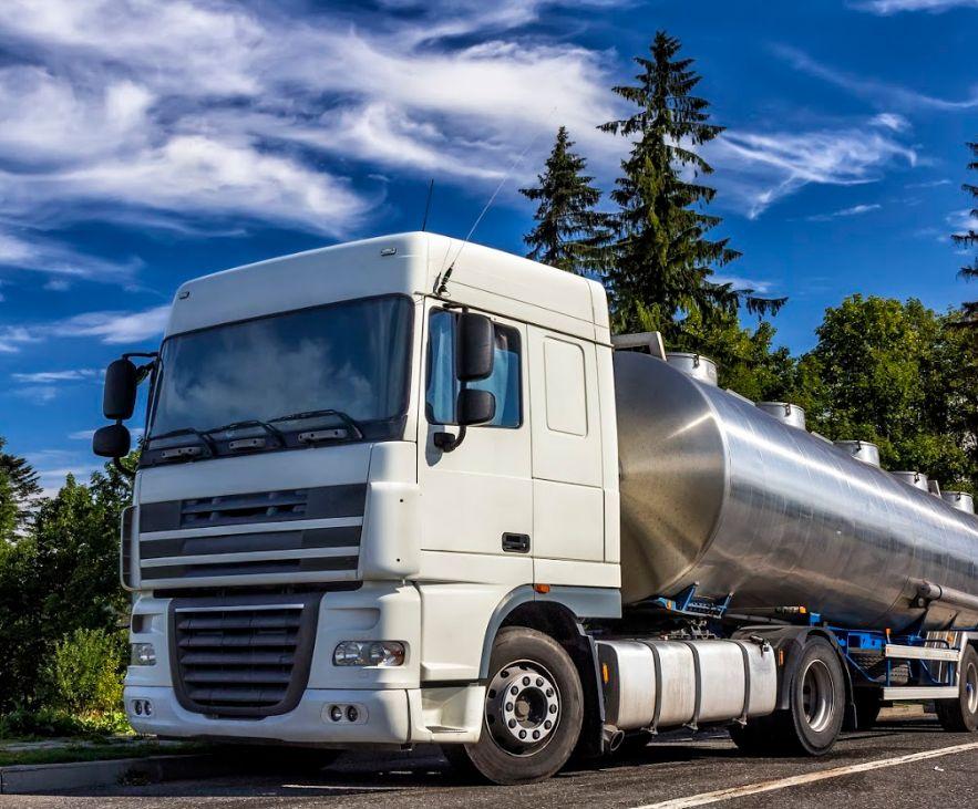 Flota de camiones: Servicios de Combustibles Serra, S.L.